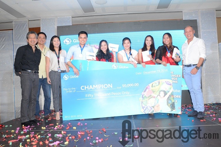 Right to left: Globe President & CEO Ernest Cu; Camille Calma, Catherine Villarosa, Selynn Co, Christine Chicano, Greg Tolentino, Pebbles Sy-Manalang, Globe head of  Product Management, Vince Yamat, Globe Director for Innovations; and Globe Chief Human Resource Officer Ato Jiao.