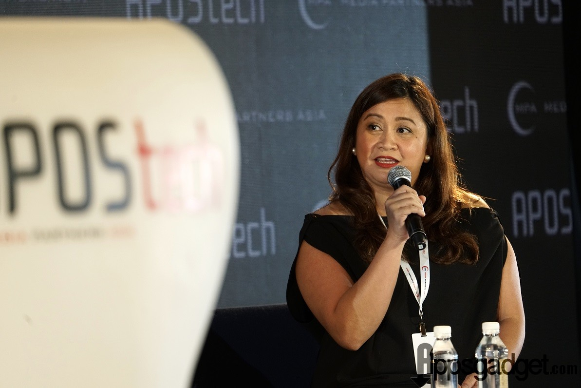 Globe At Home SVP Martha Sazon giving her keynote speech at the AposTech Conference