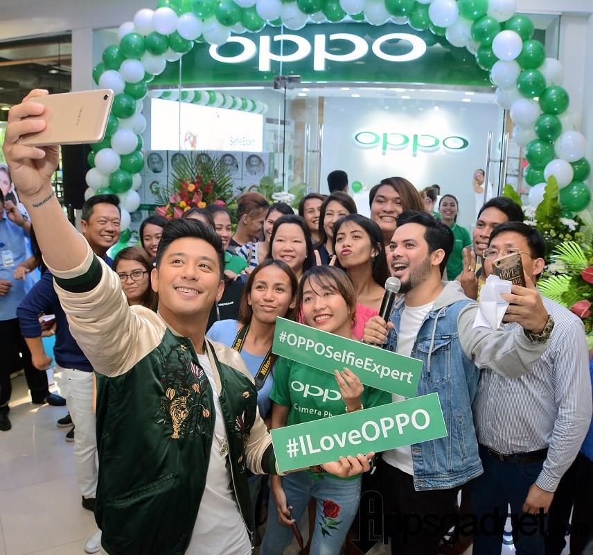 OPPO Ayala Center Cebu Photos