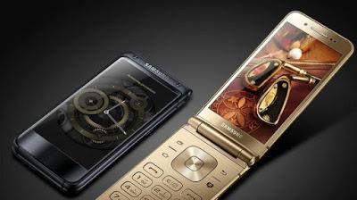 Samsung W flip phone