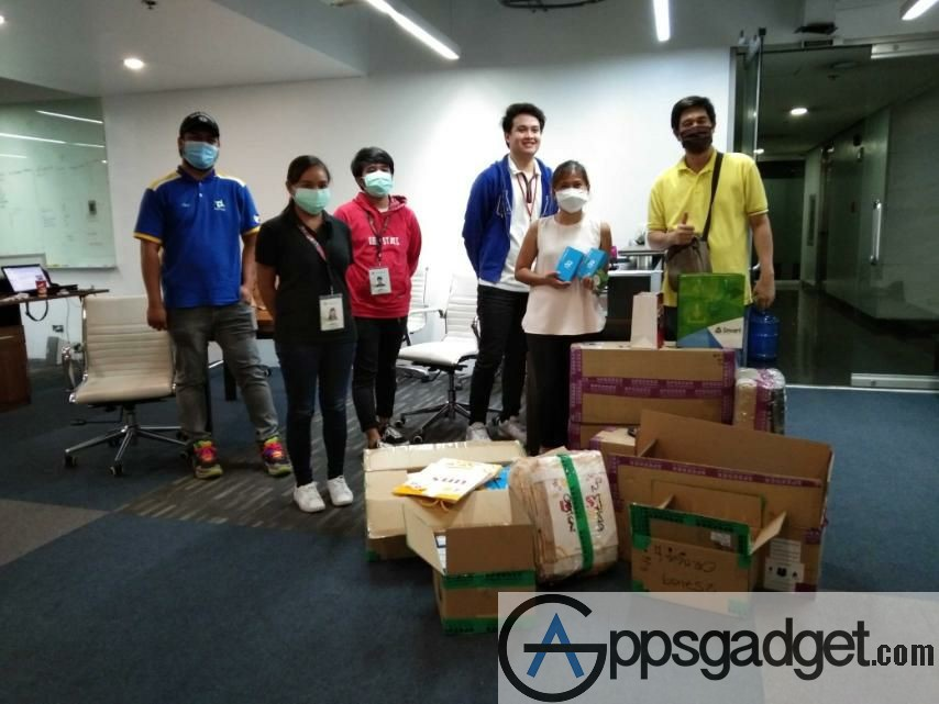 DOST & SMART expands RapidPass Project Provides 540 cell phones for police manning 180 checkpoints