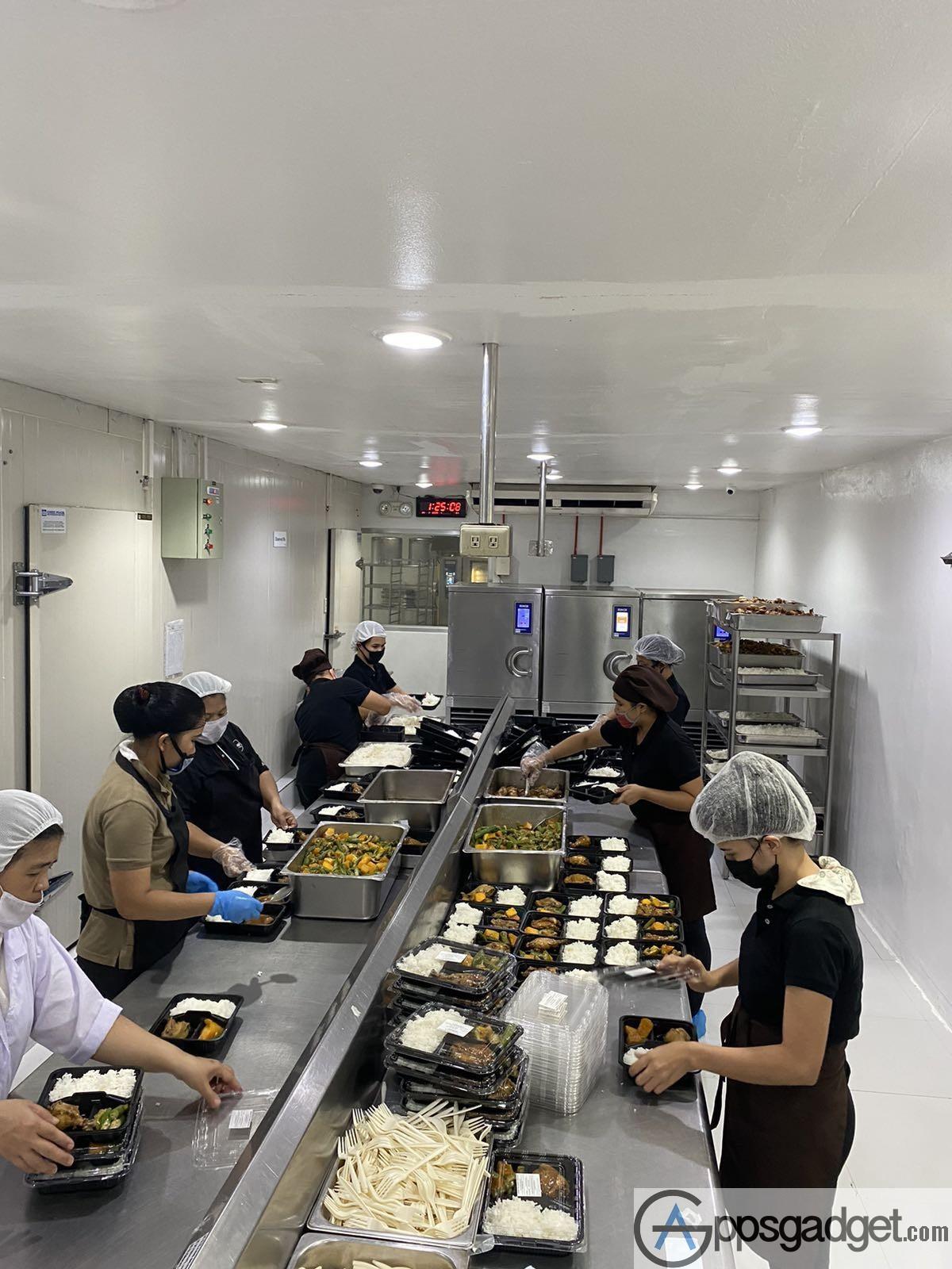 Globe myBusiness food distribution to hospitals 3