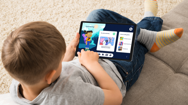 Lenovo Tab M10 HD Gen 2 Google Kids Space child on carpet