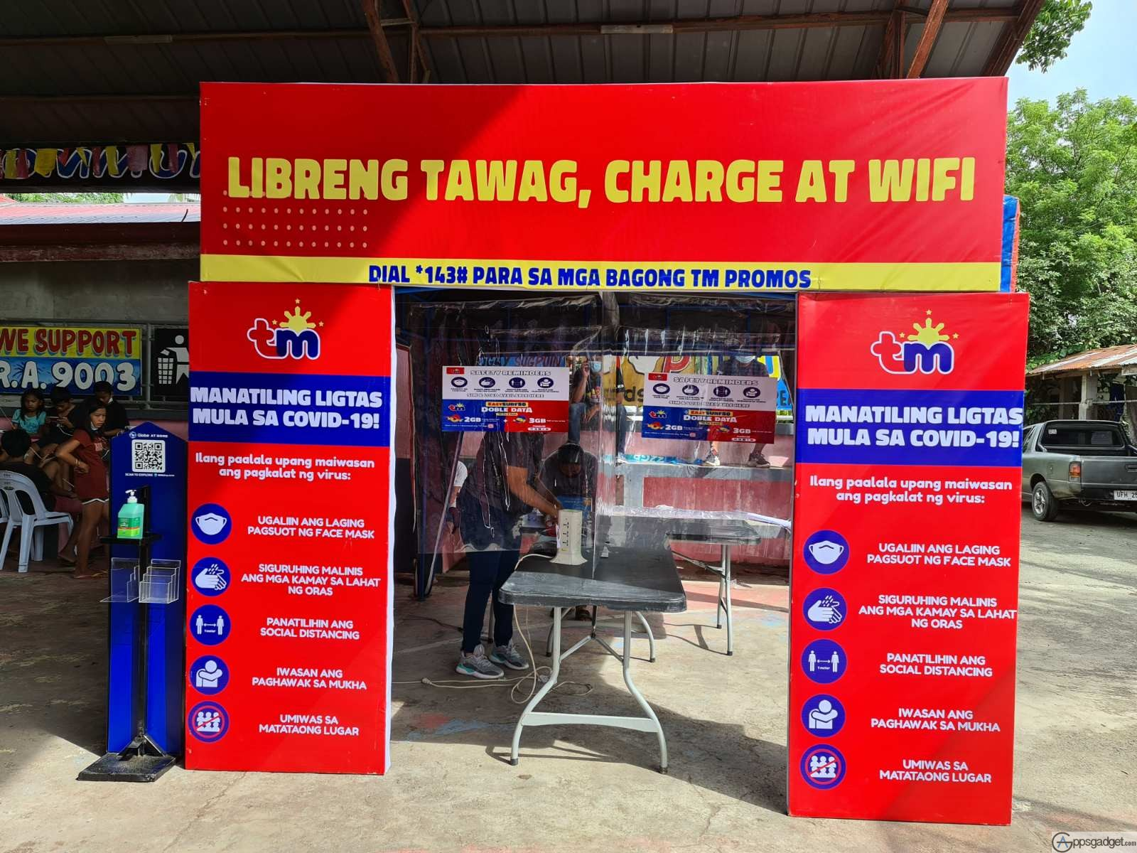 Globe Free Calls Libreng Tawag, Libreng Wifi sites, Distributes Relief goods for Typhoon Ulysses Victims