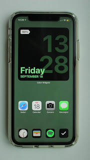 Simple iOS 14 Home screen design idea